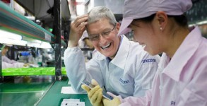 Tim Cook-foxconn